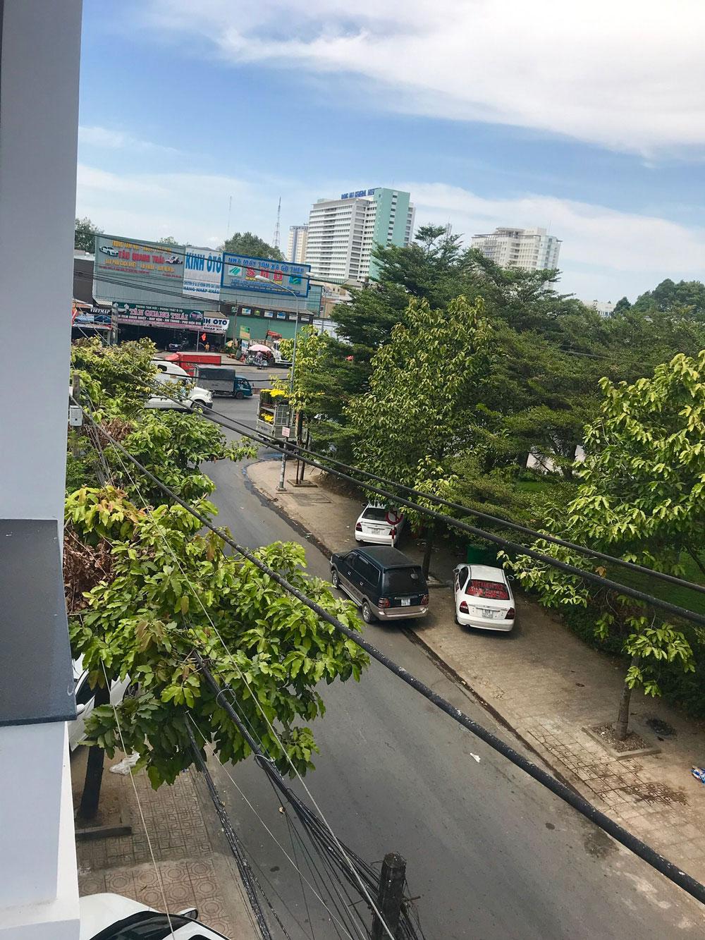 Cho thuê mặt bằng làm Văn phòng hoặc Kinh doanh, đường nhựa 8m, kế bên Lottemart Đồng Nai